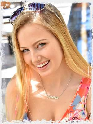 Scarlett Cute Blonde Teen